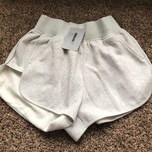GYMSHARK- legacy fitness shorts
